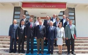 Süleyman Onatça Tunceli'de TÜRKONFED Raporunu Tanıttı