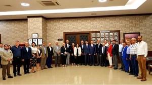 Türkiyenin Orta Gelir ve Orta Demokrasi Tuzağı İkilemi Hatayda Vurgulandı