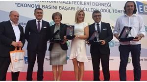 TÜRKONFED Başkanı Turan EGD Ekonomi Başarı Ödüllerini Verdi